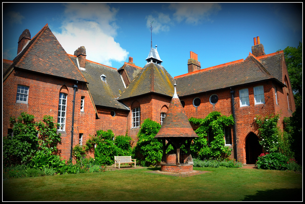 6115592 further 471538900 in addition Ford Madox Brown Work likewise A Beginners Guide To The Pre Raphaelites together with 393572454911596174. on philip webb red house william and morris